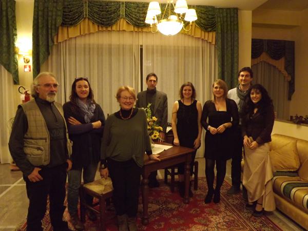Emanuela Piazza, seconda da sinistra, e i sette artisti selezionati