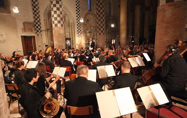 Orchestra_Romania_1