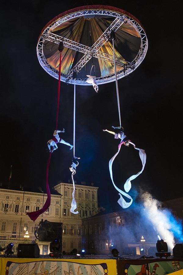 Veritgo Cirque Carillon_00SD