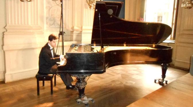 """Il """"pianista del buio"""" a Palazzo Mistrot"""